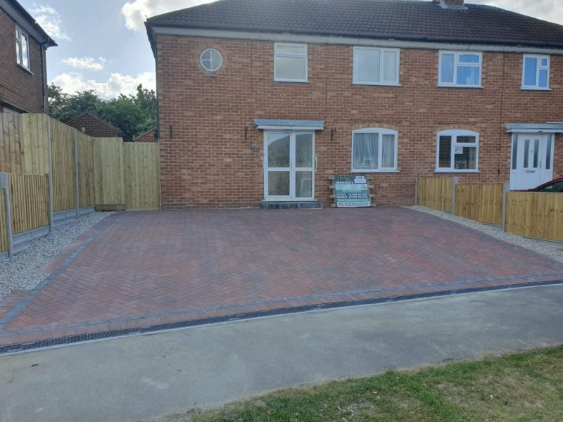 Block Paving Driveway with New Fencing in Leighton Buzzard